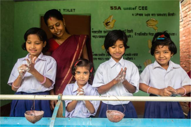 Group handwashing in Assam, India. Photo: UNICEF