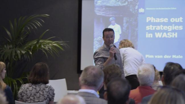 Pim van der Male presenting at the Max Foundation-IRC Event