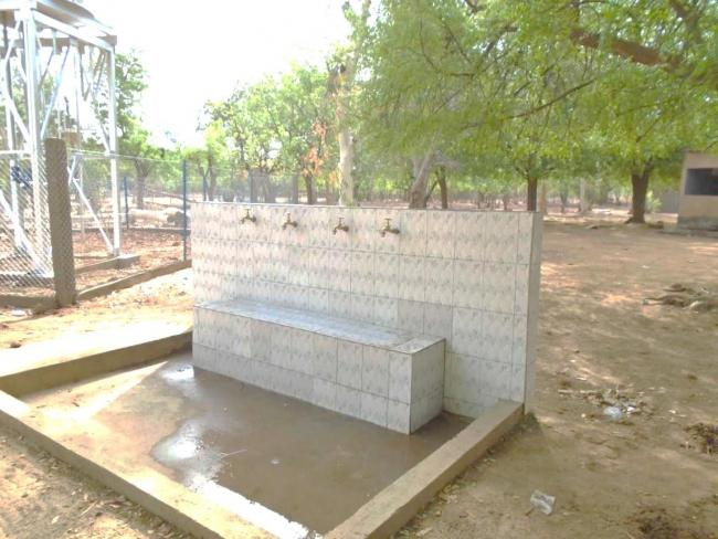 Dispositif de lavage de main (O. Boukari, IRC Niger)