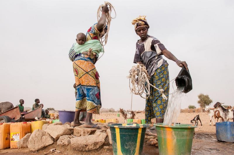 Women fetching water in the Sahel