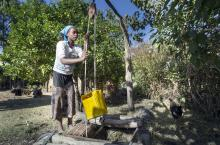 fetching water ethiopia
