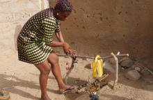 Using a simple handwashing device in Bongo, Ghana