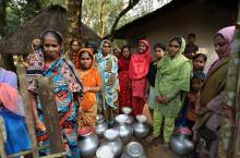 Women in Bangladesh queuing for water