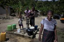 Women at water point in Ghana