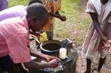 school children washing hands