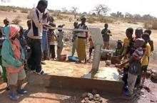 Work on a waterpump in Mali