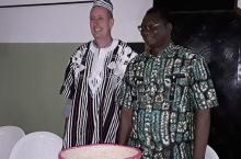 Patrick Moriarty and Aboubakar Hema, mayor of Banfora (photo by Cabinet du Maire de Banfora)