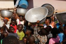 Women almost fight for water in Wamahinso community as they queue for hours