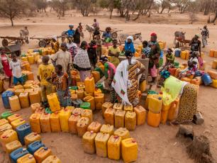Queuing for water in the Sahel