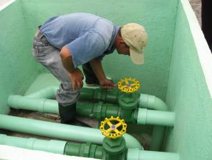 Checking the water pipes in Tegucigalpa