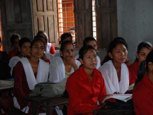 Attentive school girls