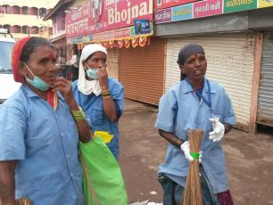 Female sanitation workers in India (photo R. Shiva)