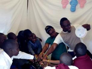 Kenyan school girls taking the pledge in past activitiy