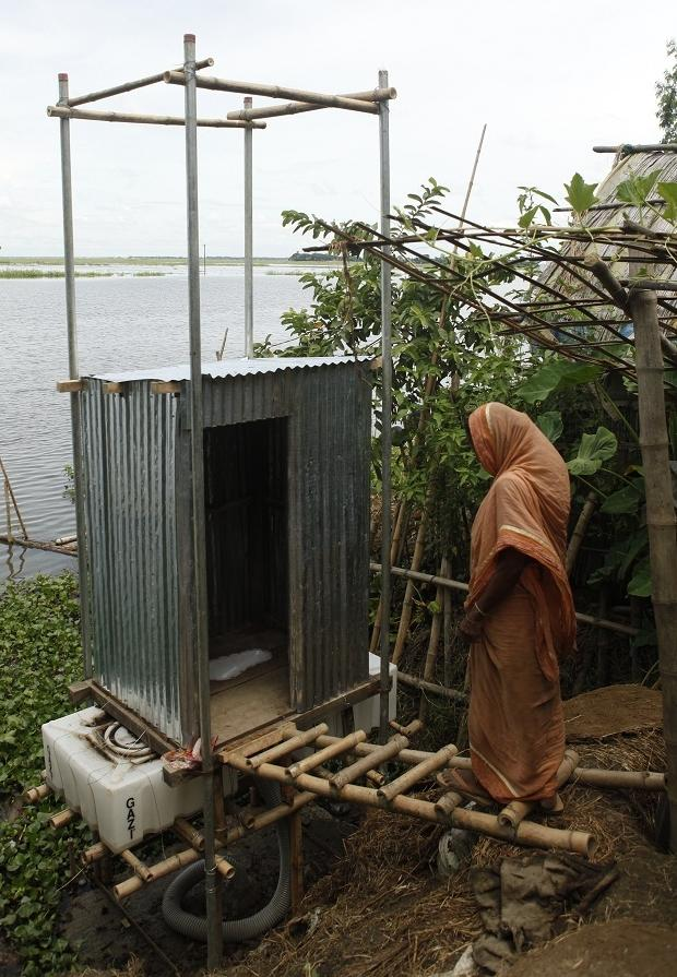 Floating latrine, Bangladesh, BRAC